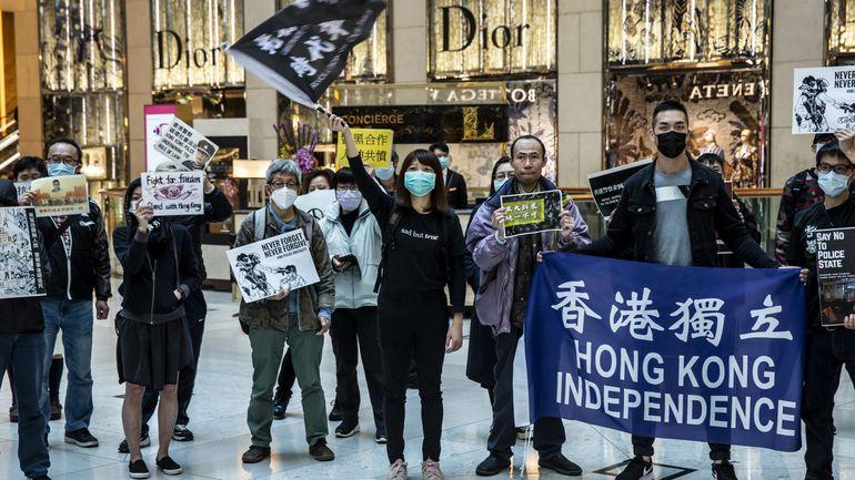 Coronavirus : premières manifestations pro-démocratie à Hong Kong depuis le coronavirus