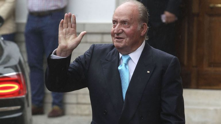 L'ex-roi d'Espagne Juan Carlos assure que sa maîtresse ne lui a pas servi de prête-nom pour dissimuler sa fortune