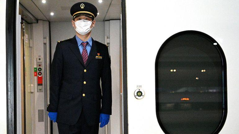 Davantage de nouveaux cas quotidiens dans le monde qu'en Chine: le point sur l'épidémie de coronavirus