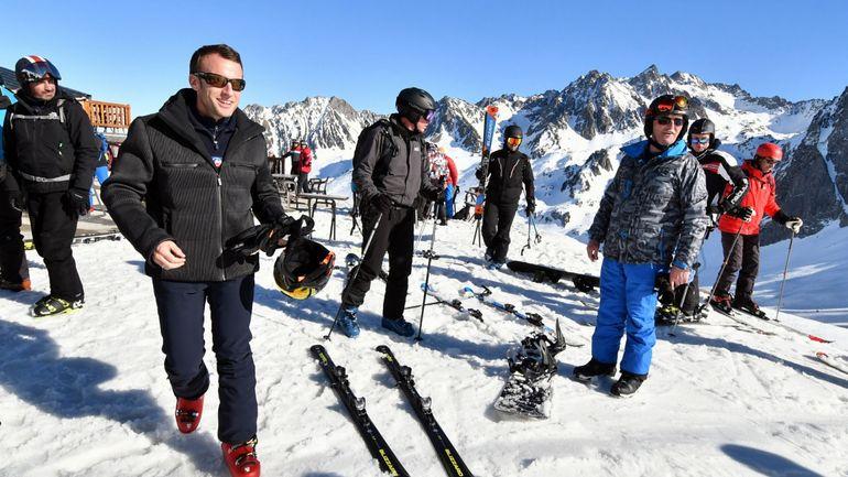 Gilets jaunes: Emmanuel Macron écourte son séjour à la montagne et rentre à l'Elysée