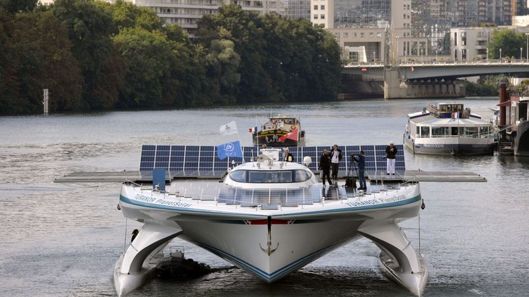 Un bateau solaire marchand de vin a fait escale à Bruxelles