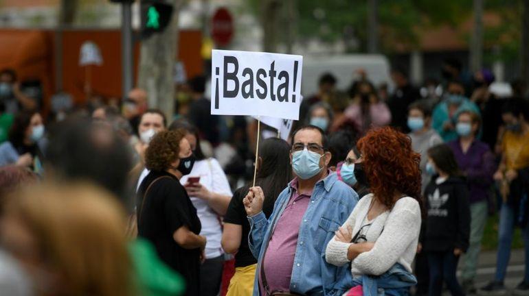 """Coronavirus: à partir de lundi, des habitants de Madrid seront """"enfermés"""" dans leur quartier"""