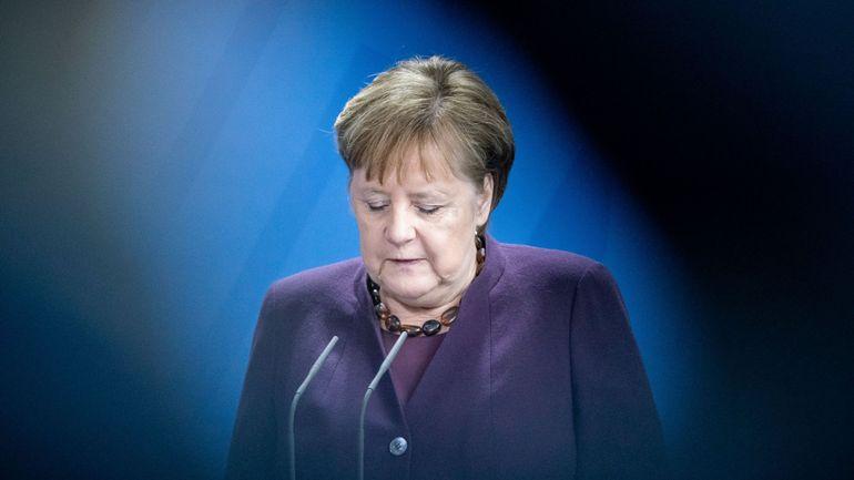 """Attentat raciste en Allemagne: Angela Merkel dénonce le """"poison"""" du racisme"""