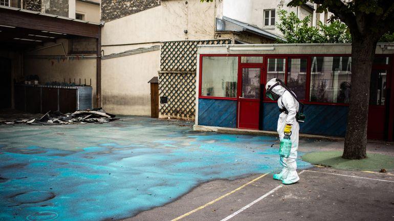 Préparatifs en vue des travaux de décontamination au plomb autour de Notre-Dame de Paris