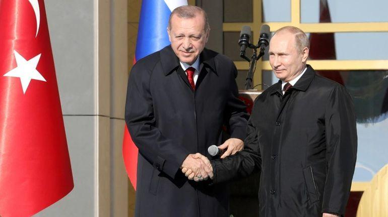 """Poutine salue la """"grande autorité politique"""" d'Erdogan après sa réélection"""