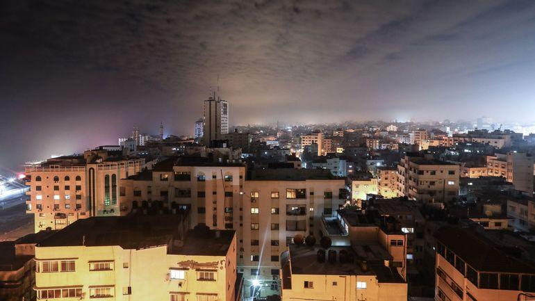 L'armée israélienne riposte à Gaza après des tirs de roquettes du Hamas