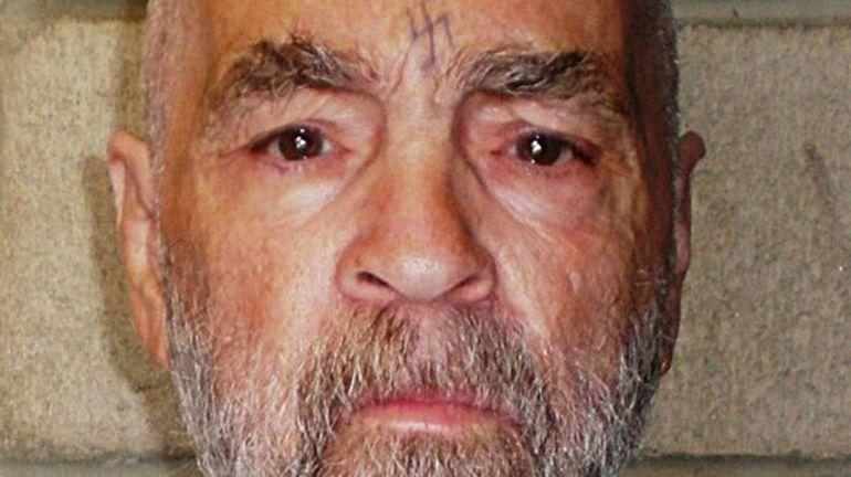 Charles Manson est décédé: portrait d'un gourou criminel qui horrifia l'Amérique