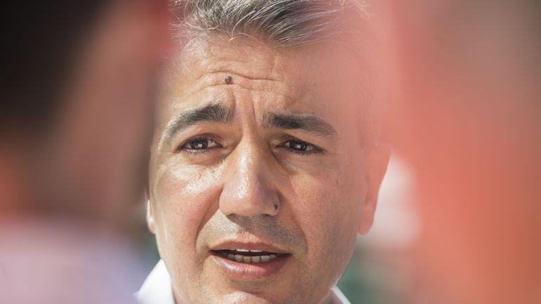 Un tract électoral du socialiste Emir Kir crée la polémique