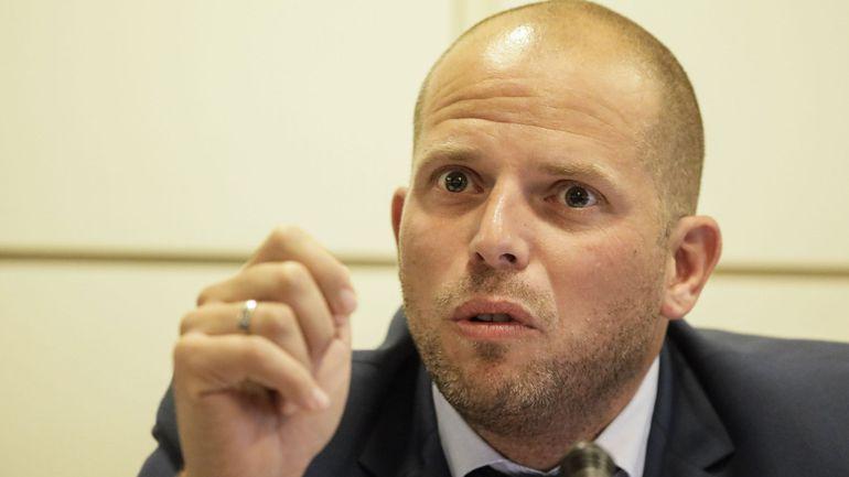 Theo Francken avoue que le Vlaams Belang est une inspiration de sa politique migratoire