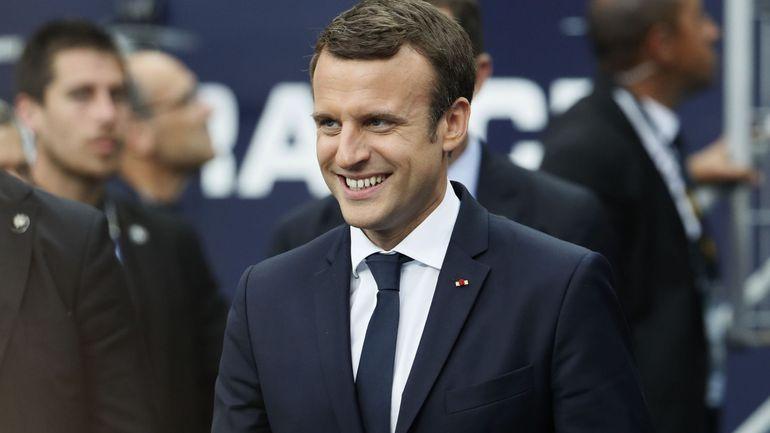 Malgré les désaccords, Macron fait assaut d'amababilité envers Trump au G7