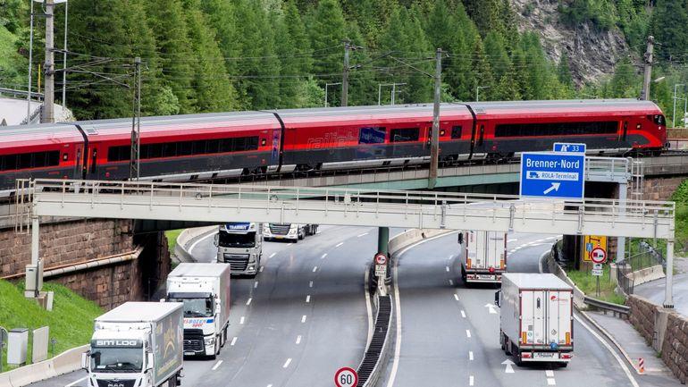 Autriche : le Tyrol ferme ses routes intérieures pour faire face à l'afflux de touristes