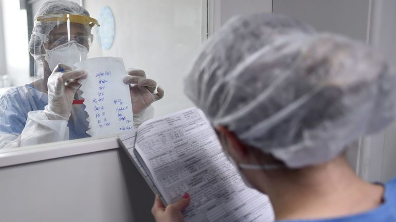 Coronavirus : l'Amérique latine en plein cauchemar, quasi-retour à la normale en France