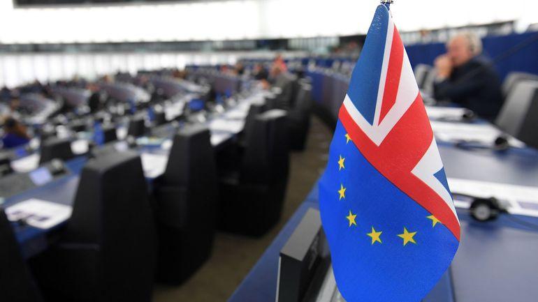 """Brexit: Feu vert du Parlement européen à plusieurs mesures en cas de """"no-deal"""""""