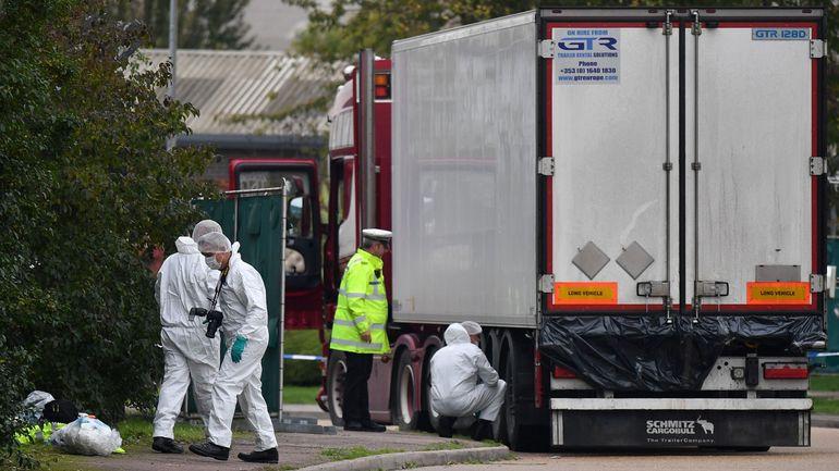 39 morts à bord d'un camion en Angleterre : plusieurs suspects interpellés lors de perquisitions en Belgique mardi matin