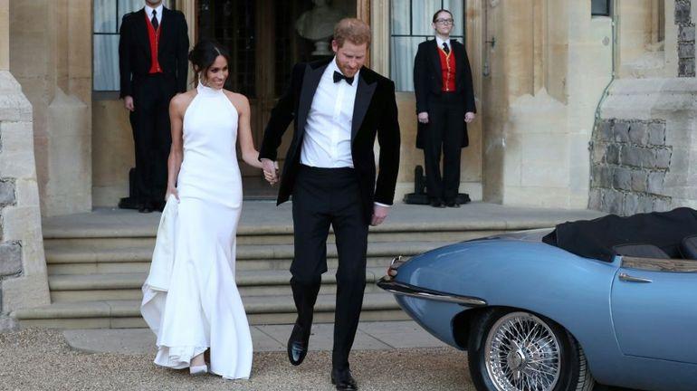 """Meghan et Harry entament leur nouvelle vie après un mariage salué comme un """"triomphe"""""""
