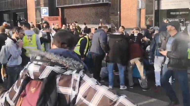France: trois gilets jaunes blessés après avoir été renversés lors d'une manifestation à Rouen