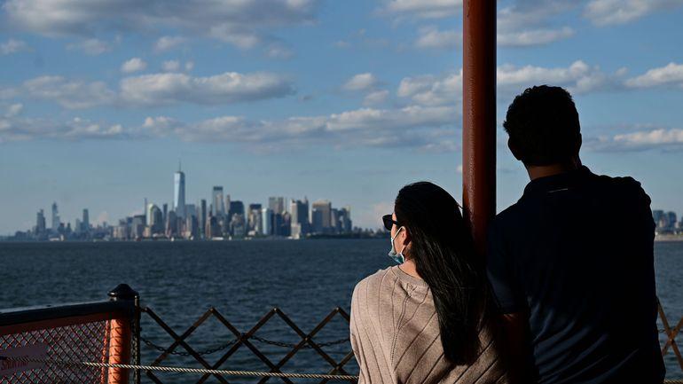 Coronavirus aux USA: New York renforce les mesures de quarantaine imposées aux visiteurs