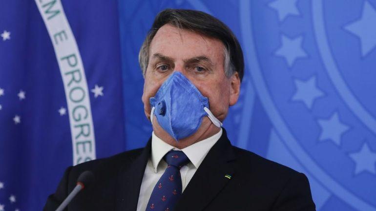 Coronavirus: après Twitter, Facebook et Instagram suppriment des vidéos de Bolsonaro