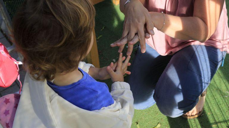 """Coronavirus : un élève de l'école primaire d'Ertvelde diagnostiqué positif, sa """"bulle"""" placée en quarantaine"""