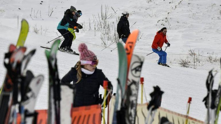 Les Arcs, Val Thorens, Deux-Alpes: les saisonniers des stations de ski mènent des actions de protestation