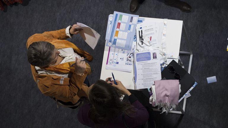 """Trois quarts des """"emplois créés"""" en Belgique depuis2015 concernent les 55-64 ans"""