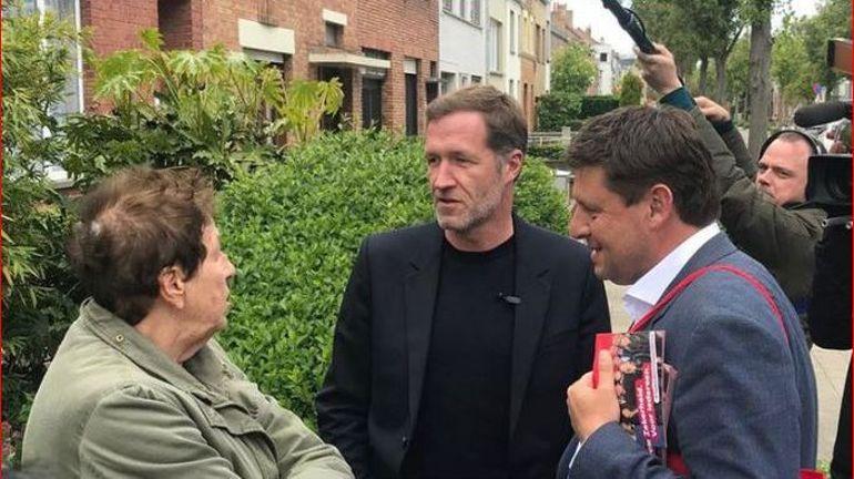 Quand Paul Magnette fait campagne avec John Crombez à Ostende