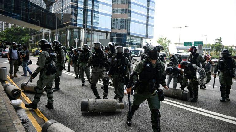 Hong Kong: nombreux heurts entre policiers et manifestants