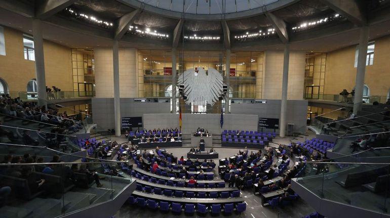 Coronavirus en Allemagne: le Bundestag donne son feu vert au vaste plan de sauvetage de l'économie allemande