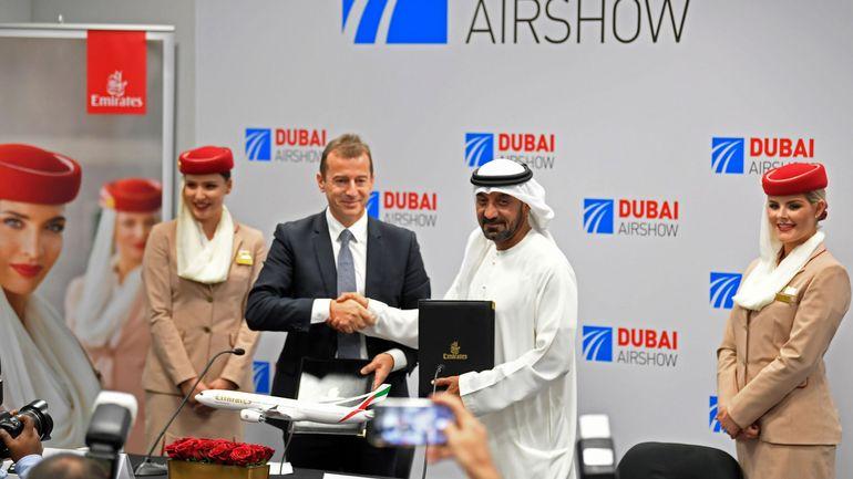 La compagnie Emirates signe un contrat de 16 milliards de dollars pour l'achat de 50 Airbus 350-900