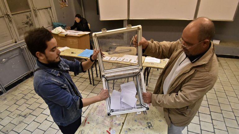 L'Algérie attend le résultat d'une présidentielle marquée par un taux d'abstention record