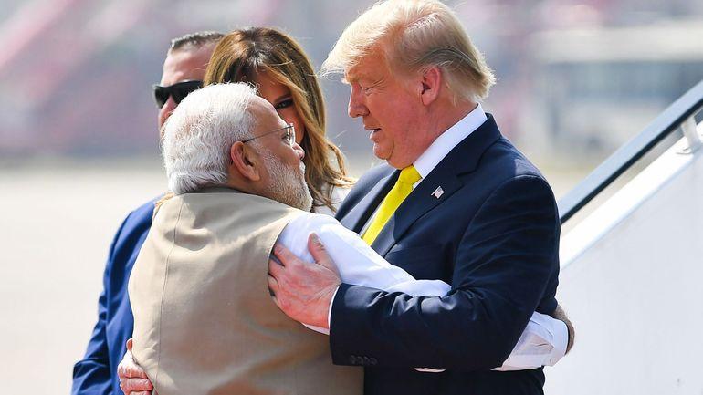 Tapis rouge pour Donald Trump à son arrivée en Inde
