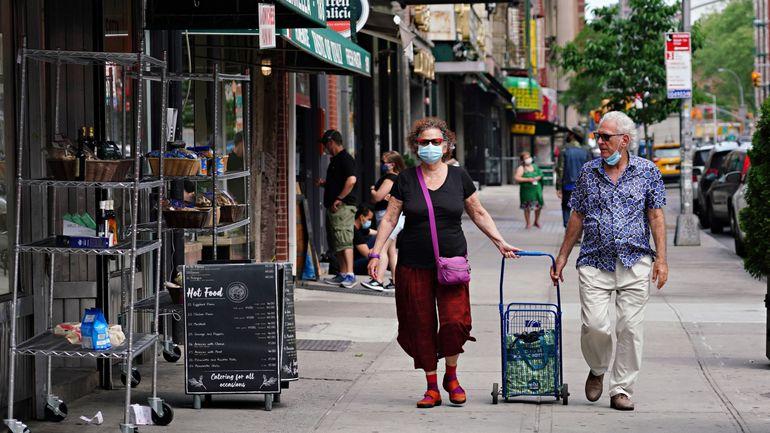 Coronavirus aux USA : 922 morts rapportés en 24h, l'épidémie ralentit