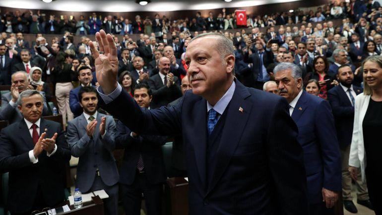 RTBF, La Turquie fait usage de l'état d'urgence pour réduire l'opposition, selon Amnesty