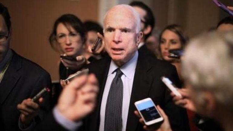USA: même malade, John McCain ira au Sénat mardi pour voter sur l'Obamacare