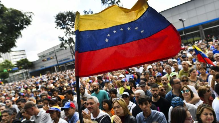 """Venezuela: le Parlement appelle à une mobilisation pour un """"gouvernement de transition"""""""