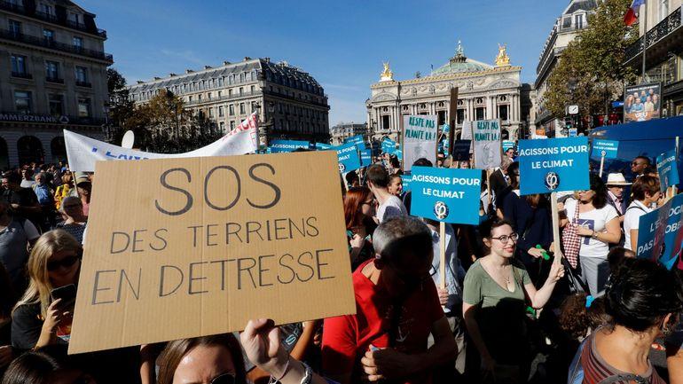 Marche pour le climat à Paris : des organisateurs appellent à quitter la manifestation parisienne