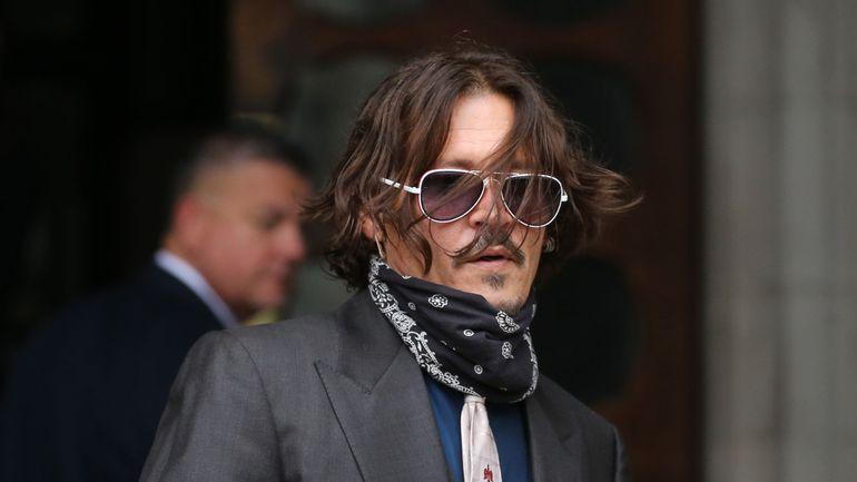 """Lors de son procès contre The Sun, Johnny Depp nie être un """"monstre"""" ayant frappé son ex-femme Amber Heard"""